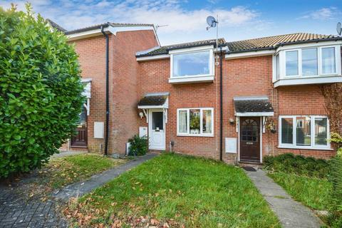 2 bedroom terraced house for sale - No Onward Chain - Wendover