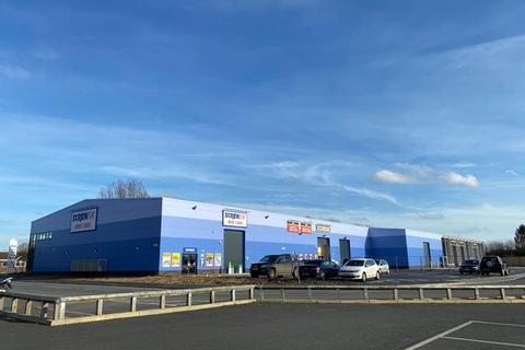 Industrial unit to rent - Napier Way, Dereham, Norfolk, NR19 1FS