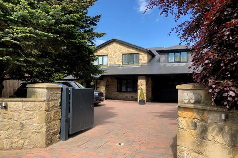5 bedroom detached house for sale - Richmond Way, Darras Hall, Ponteland