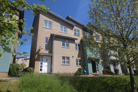 4 bedroom house for sale - Pinewood Drive, Cheltenham