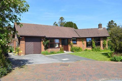 3 bedroom detached bungalow for sale - St Margarets Close, Wimborne, Dorset