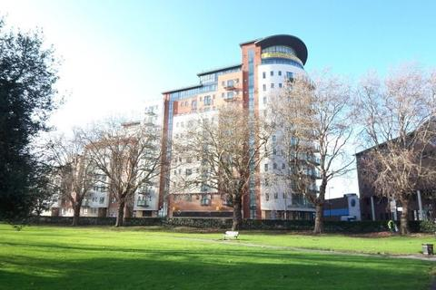 2 bedroom flat to rent - Orchard Place, Southampton, SO14