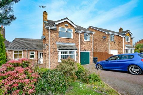 4 bedroom detached house for sale - Little Mountain Road, Buckley