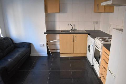 Studio to rent - Ground Floor Ambercromby Ave