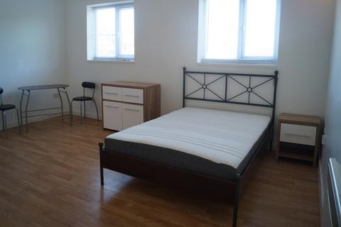 Studio to rent - 129 Newmarket Road