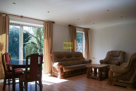3 bedroom semi-detached house to rent - The Close, Harborne - Student property