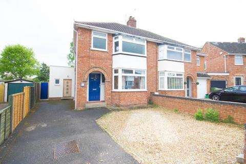 3 bedroom semi-detached house to rent - St Michaels Road, Warden Hill, Cheltenham, GL51 3RP