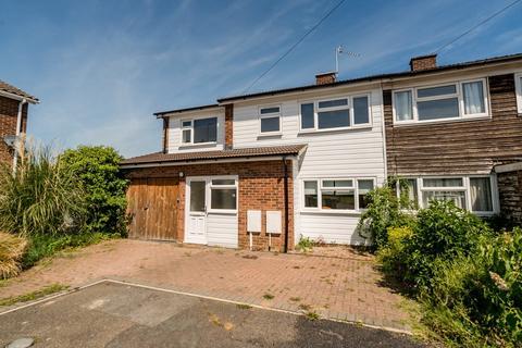 5 bedroom semi-detached house to rent - Portfield Close, Buckingham