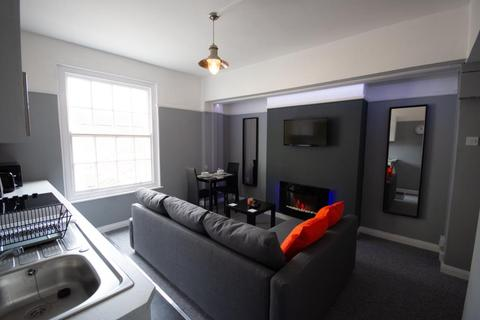 1 bedroom flat to rent - 12 , Kennilworth House, Westgate St, City Centre, Cardiff, South Wales, CF10 1DJ
