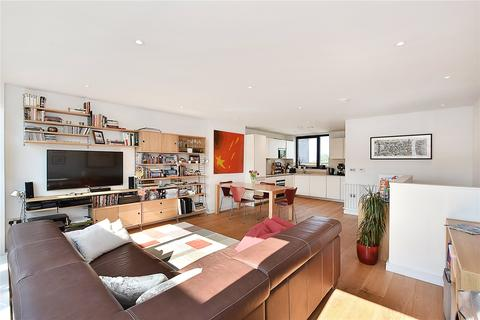 3 bedroom maisonette for sale - Hawthorne Crescent, London