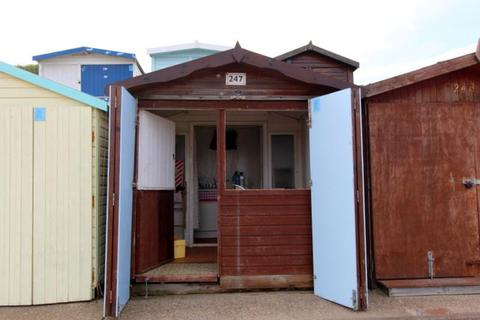 Chalet for sale - FRINTON BEACH HUT