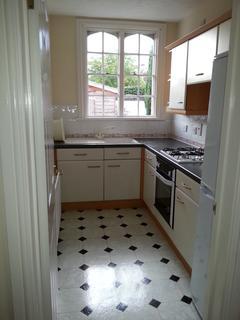 1 bedroom detached bungalow to rent - Queen Victoria Court, Farnborough, Hampshire GU14
