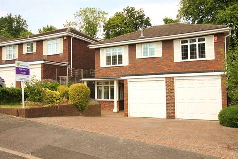 5 bedroom detached house to rent - Lodge Close, Englefield Green, TW20
