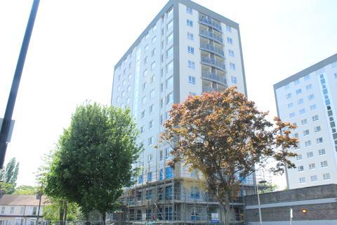 2 bedroom flat - Keys House, EN3