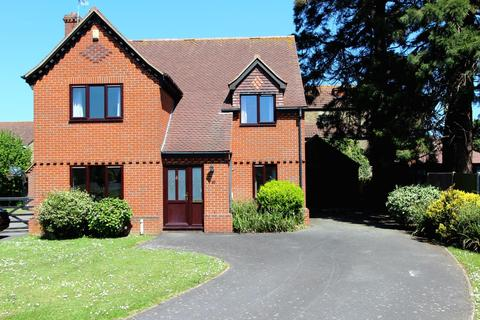 4 bedroom detached house for sale - Warden House Mews, Deal, CT14