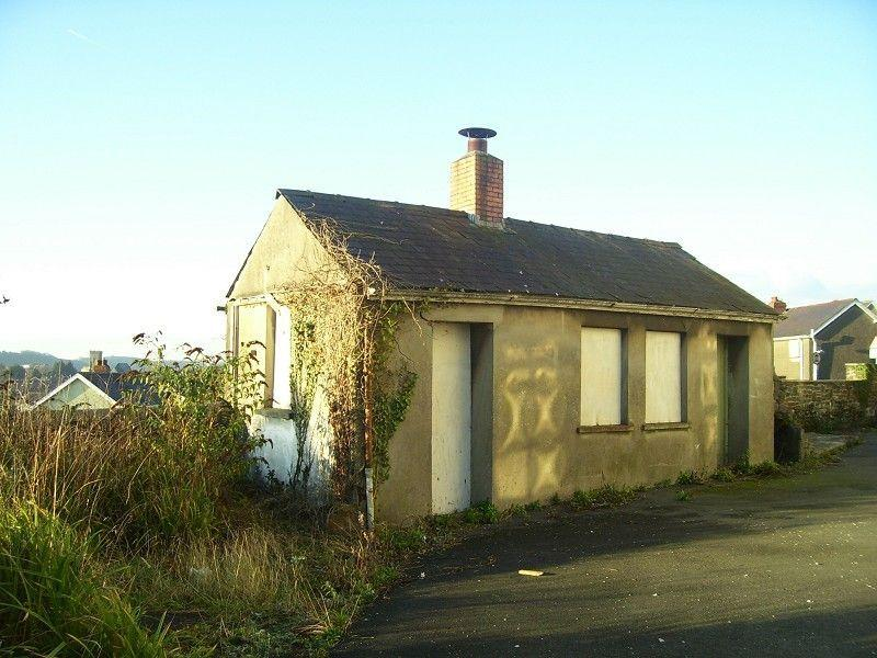 2 Bedrooms Detached House for sale in The Old Boiler House, Carmarthen, Carmarthenshire.