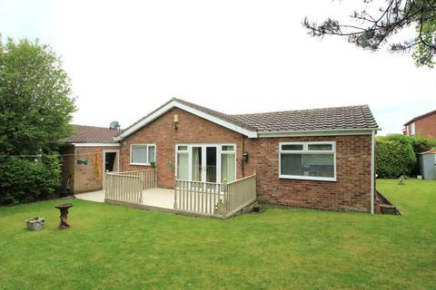 4 bedroom bungalow for sale - St Johns