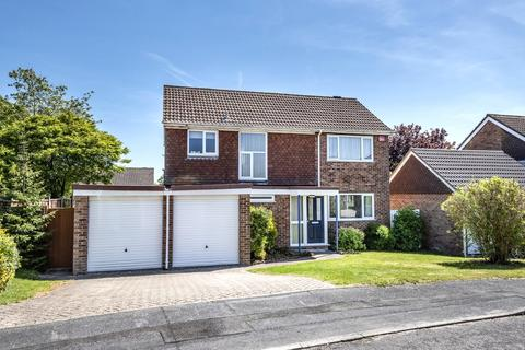 4 bedroom detached house for sale - Camwood Close, Basingstoke, Hants, RG21