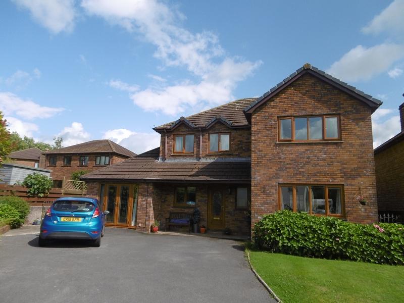 4 Bedrooms Detached House for sale in 5 Geryllan, Cwmifor, Llandeilo, Carmarthenshire.