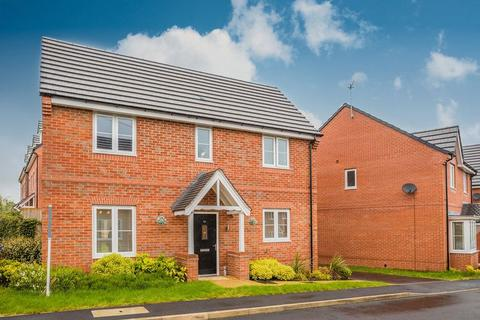 3 bedroom detached house for sale - Fernilee Close, Stoke-On-Trent