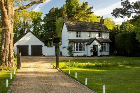3 bedroom detached house for sale - BISLEY/WOKING