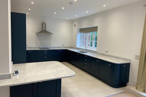 2 bedroom house to rent - Park Lane, Godden Green, Sevenoaks