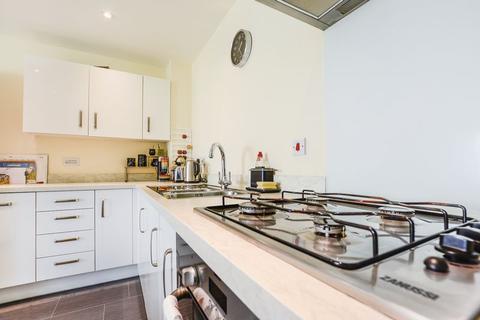 2 bedroom apartment for sale - Hartley Avenue, Peterborough, PE1 5FT