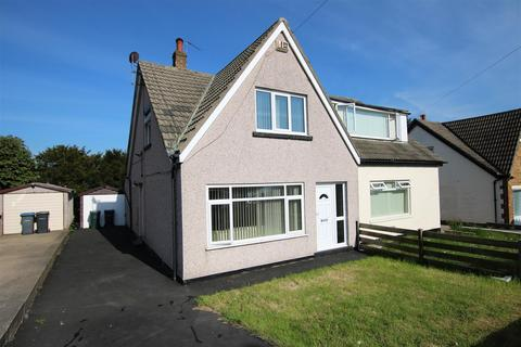 3 bedroom semi-detached house for sale - Brantwood Drive, Bradford