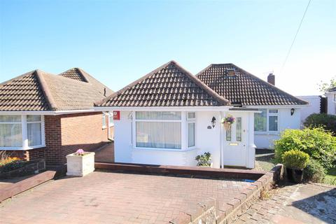 4 bedroom detached bungalow for sale - Fernwood Rise, Westdene, Brighton