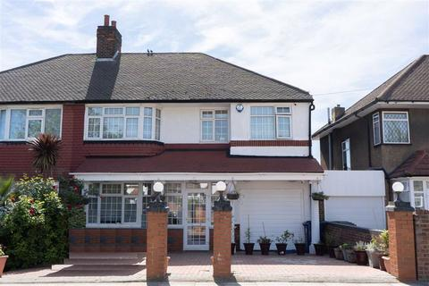 5 bedroom semi-detached house for sale - Thorncliffe Road, Southall, Middlesex