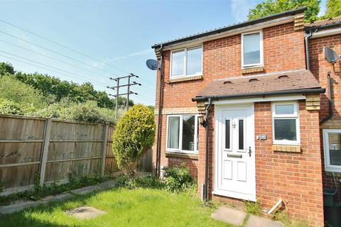 3 bedroom end of terrace house for sale - Little Copse Chase, Chineham, Hampshire