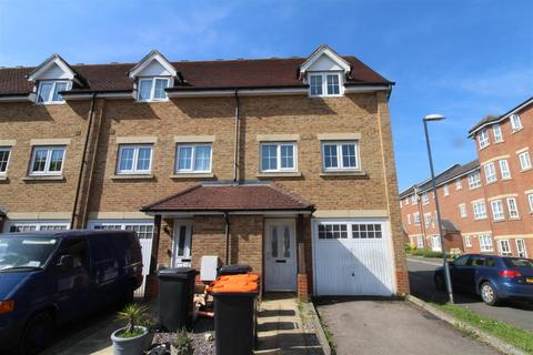 3 bedroom end of terrace house for sale - Watling Gardens, Dunstable