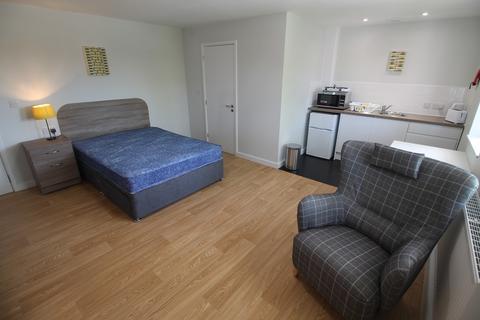 Studio to rent - Studio 29, Midwood House, Midwood Street, Widnes