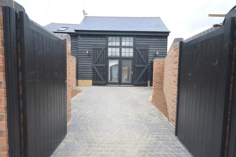 2 bedroom barn conversion for sale - Grove Road, Chelmsford, CM2