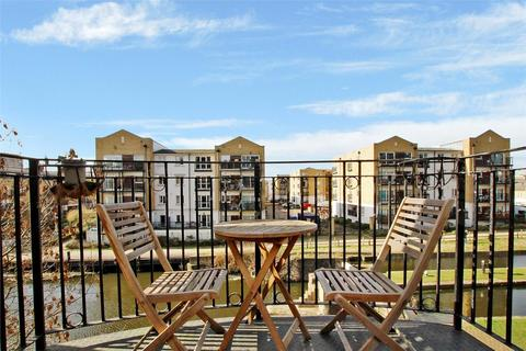 2 bedroom apartment to rent - Copperfield Road, Mile End, London