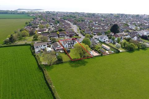 4 bedroom detached house for sale - La Corniche, Cog Road, Sully, Vale of Glamorgan. CF64 5TE