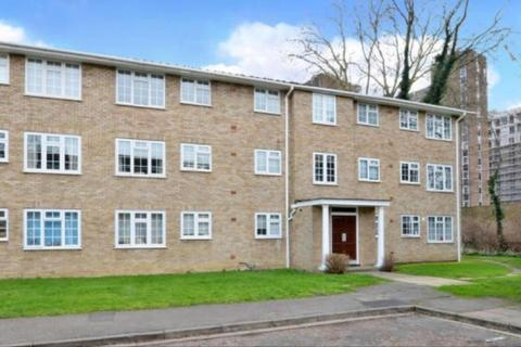 3 bedroom apartment to rent - Swallow Close,  Staines-upon-Thames,  TW18