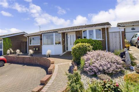 2 bedroom detached bungalow for sale - Staplehurst Avenue, Broadstairs, Kent