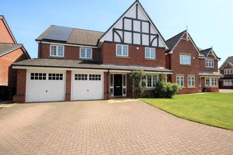 4 bedroom detached house for sale - Godolphin Close, Eccles