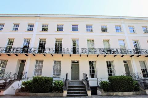3 bedroom apartment to rent - Montpellier Spa Road, Cheltenham