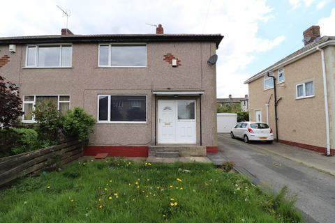 3 bedroom semi-detached house to rent - Carr House Mount, Wyke, Bradford, BD12 8QB