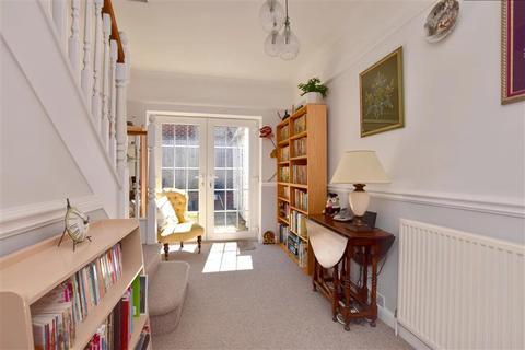 4 bedroom detached bungalow for sale - Deakin Leas, Tonbridge, Kent