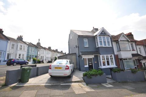 3 bedroom end of terrace house to rent - Hartington Road Brighton BN2