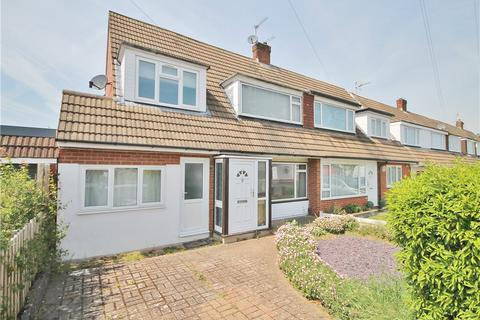 4 bedroom semi-detached house for sale - Nursery Gardens, Staines, Middlesex, TW18
