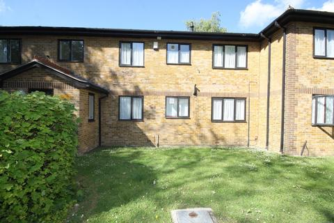 1 bedroom flat to rent - Meresborough Road, Rainham