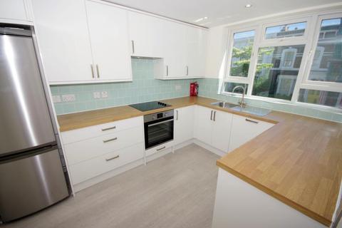 3 bedroom flat to rent - DARVILLE ROAD, LONDON, N16