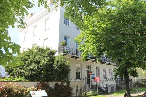 2 bedroom flat for sale - Pittville Lawn, Cheltenham, Gloucestershire, GL52 2BD