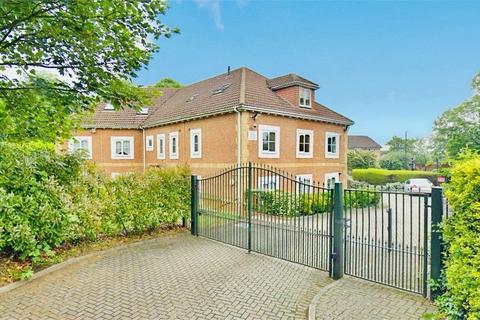 2 bedroom flat to rent - Windsor Lane, Burnham, Berkshire