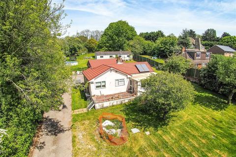 2 bedroom detached bungalow for sale - Gravel Lane, Four Marks, Alton, Hampshire