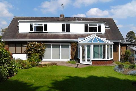 4 bedroom property to rent - The Close, Newport